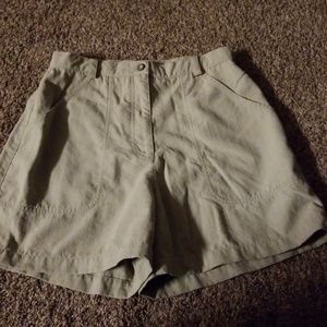 The North Face Khaki Shorts 10